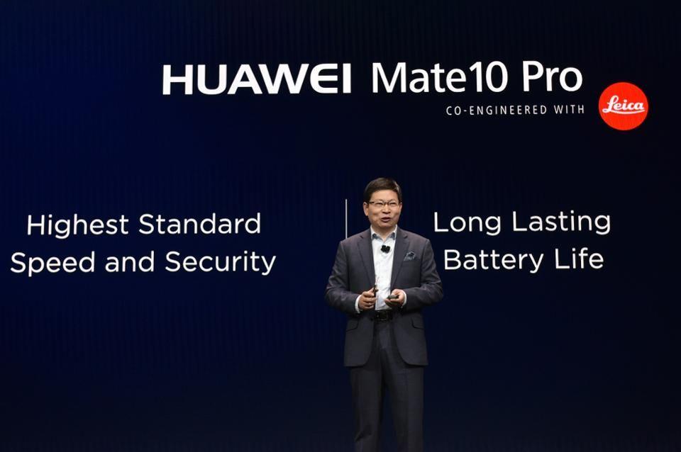 China USA Trade War : Apple would suffer more than Huawei 1